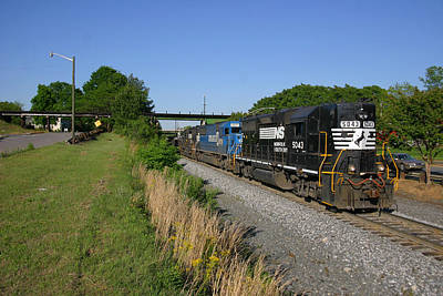 Photograph - Ns 5043 Leads Train 337 by Joseph C Hinson Photography