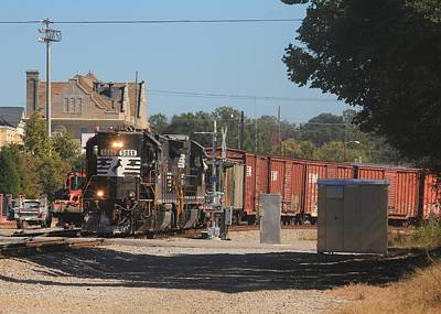 Photograph - Ns 5066 And A B32-8 10 by Joseph C Hinson Photography