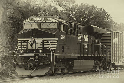 Photograph - Ns 8127 Locomotive by Dale Powell