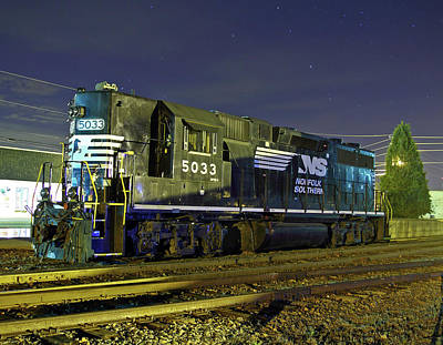 Photograph - Ns Gp38-2 #5033 by Joseph C Hinson Photography