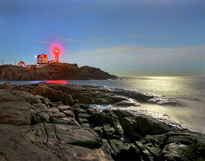 Photograph - Nubble Light 457 by Jeff Stallard
