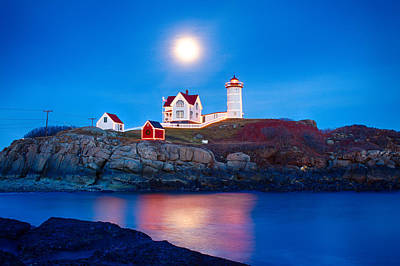Photograph - Nubble Lighthouse Lit For The Season by Jeff Folger