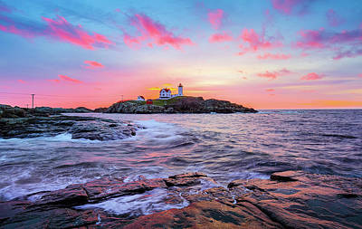 Photograph - Nubble Sunrise Surprise by Robert Clifford