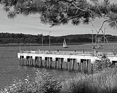 Photograph - Nut Island Pier Quincy Ma Black And White by Toby McGuire