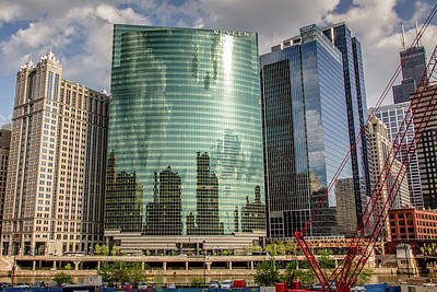 Photograph - Nuveen Building Along Chicago River In Chicago by Peter Ciro
