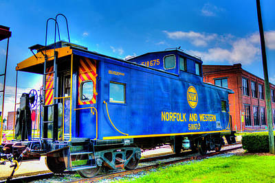 Photograph - Norfolk And Western Blue Caboose by Dale R Carlson