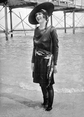 Bandana Photograph - Ny senorita In Palm Beach by Underwood Archives