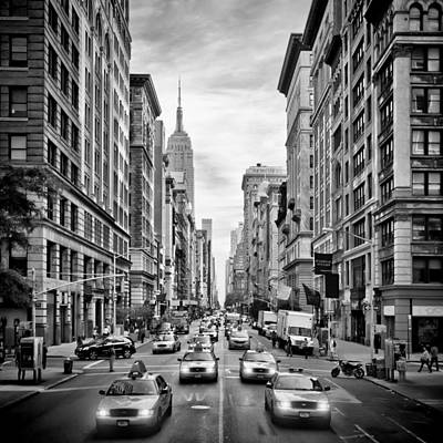 Traffic Photograph - Nyc 5th Avenue Monochrome by Melanie Viola