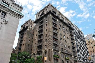 Photograph - Nyc Building - Manhattan by Matt Harang