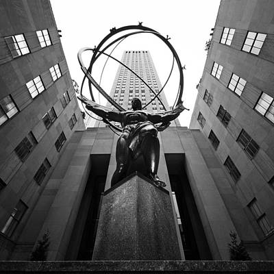 Monument Photograph - Nyc Rockefellar Center by Nina Papiorek