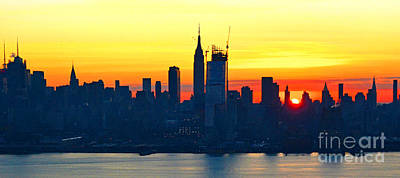 Citys Photograph - Nyc Thanksgiving Day Sunrise by Regina Geoghan