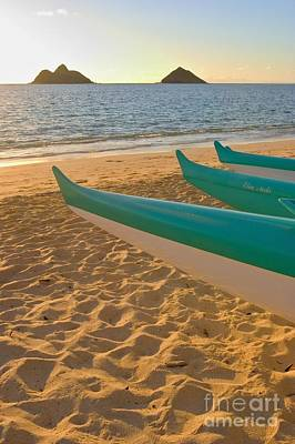 Oahu, Outrigger Canoes Art Print by Tomas del Amo - Printscapes