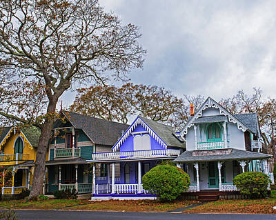 Photograph - Oak Bluffs Cottages Martha's Vineyard Ma Cape Cod by Toby McGuire