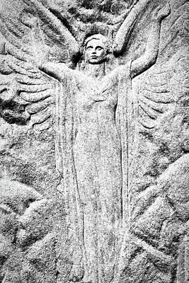 Photograph - Oak Hill Cemetery Angel by Stuart Litoff