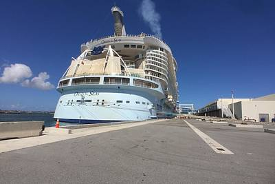 Photograph - Oasis Of The Seas At Dock by Bradford Martin