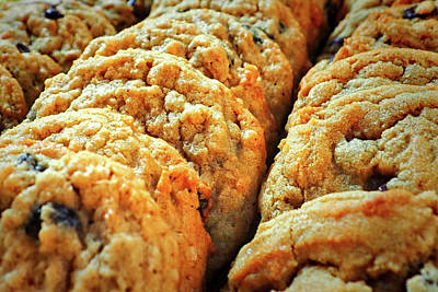 Photograph - Oatmeal Raisin Cookies At The Dutch Market by Bill Swartwout Fine Art Photography