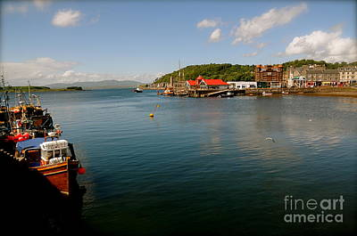 Photograph - Oban by Louise Fahy