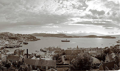 Photograph - Oban - The Mull Ferry by Jan W Faul