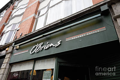 Photograph - O'brien's Restaurant Dublin Ireland by Vizual Studio