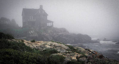 Photograph - Ocean Avenue House In Fog by Samuel M Purvis III