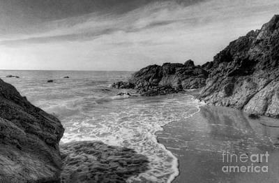 Horizon Line Digital Art - Ocean Rush by Ian Mitchell