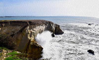 Spray Painting - Ocean Spray Near Dinosaur Caves by Barbara Snyder
