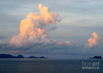 Photograph - Ocean Sunrise 14 by Randall Weidner