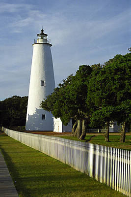 Ocracoke Lighthouse Photograph - Ocracoke Lighthouse by Don Mennig