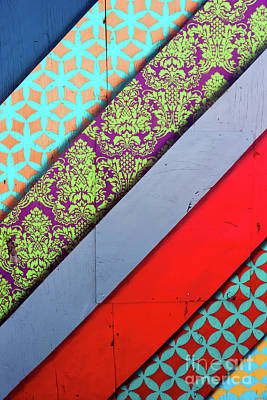 Photograph - Off The Wall - Pattern 8 by Colleen Kammerer