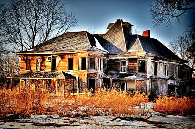 Haunted House Photograph - Oh The Memories by Emily Stauring