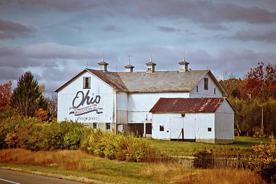 Red Leaf Digital Art - Ohio Bicentennial Barn by Linda Unger