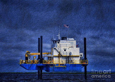 Photograph - Oil Rig 2 by Dave Bosse