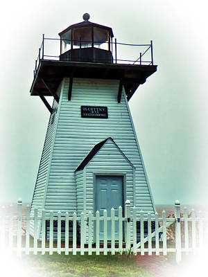 Photograph - Olcott Lighthouse by Leslie Montgomery