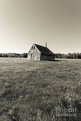 Photograph - Old Abandoned Farm Building by Edward Fielding