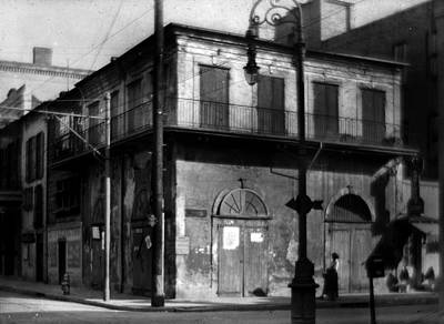 Photograph - Old Absinthe House by Crescent City Collective
