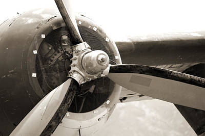Photograph - Old Aircraft Propeller by Jackie Farnsworth