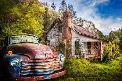 Photograph - Old American Home by Debra and Dave Vanderlaan