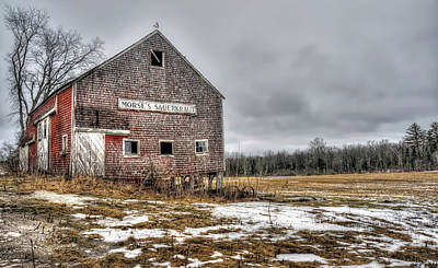 Photograph - Old And Treasured Barn by Richard Bean