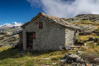 Photograph - Old Barn At Plattjen by James Billings