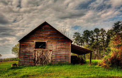 Photograph - Old Barn by Ester Rogers