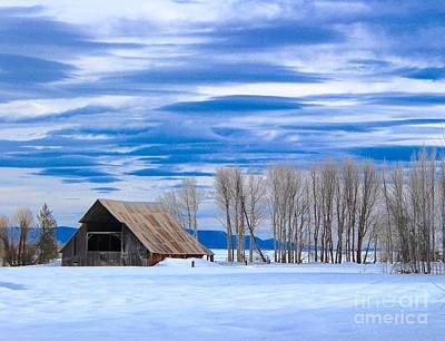 Photograph - Old Barn In Fort Klamath by Irina Hays
