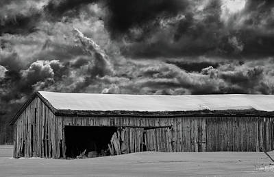 Photograph - Old Barn In Snow 10 Bw by Mary Bedy