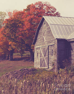 Photograph - Old Barn In Vermont by Edward Fielding