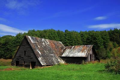 Photograph - Old Barn by Jill Lang