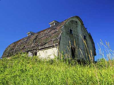 Photograph - Old Barn by Kyle Wasielewski