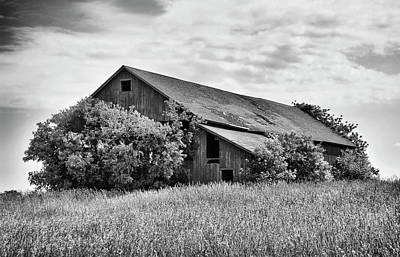 Photograph - Old Barn by Marvin Borst