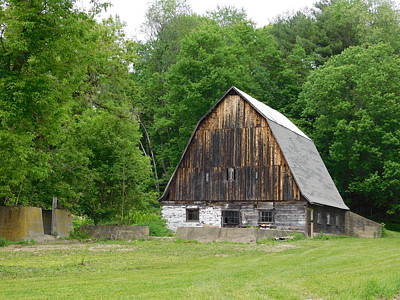 Photograph - Old Barn Off Mill Street by Catherine Gagne