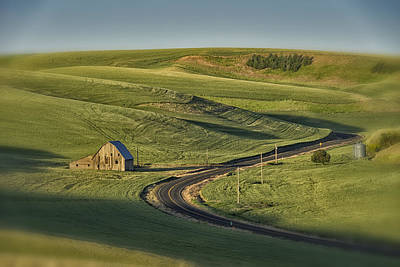 Photograph - Old Barn On The Road Palouse Wa Dsc04937 by Greg Kluempers