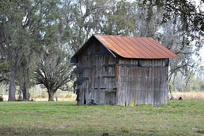 Photograph - Old Barn Or Tobacco Barn by rd Erickson