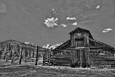 Featured Tapestry Designs - Old Barn RMNP by Russell Smith